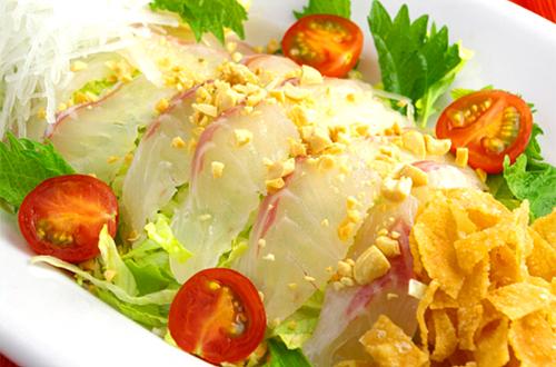 鮮魚滑沙律 (鯛のお刺身中華サラダ)
