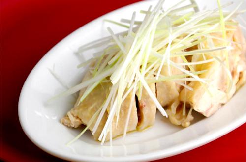 白切鶏 (パチケイ 鶏肉の冷製)