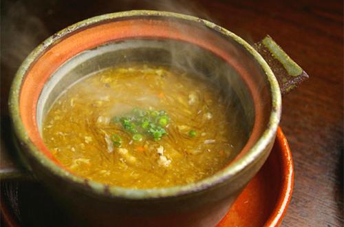 蟹黄魚翔湯 (上海蟹みそフカヒレスープ)