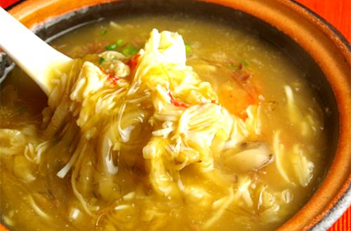 蟹肉砂鍋翔湯(蟹肉とフカヒレのスープ)